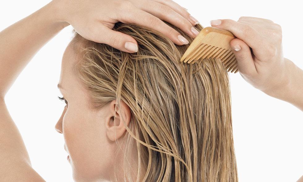 sliter torrschampo på håret