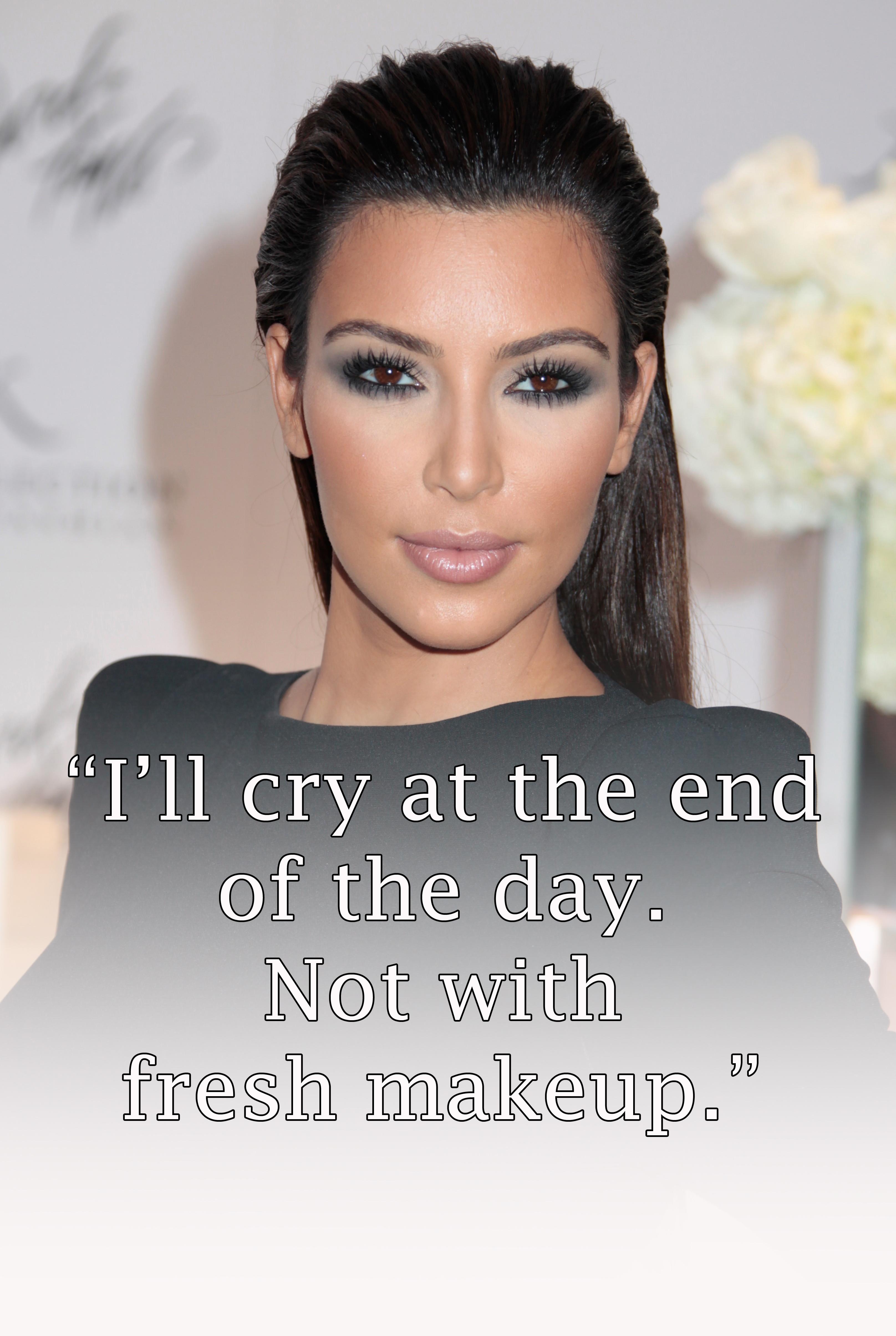 WHO  s dating Kim Kardashian nuDating en man 5 år yngre