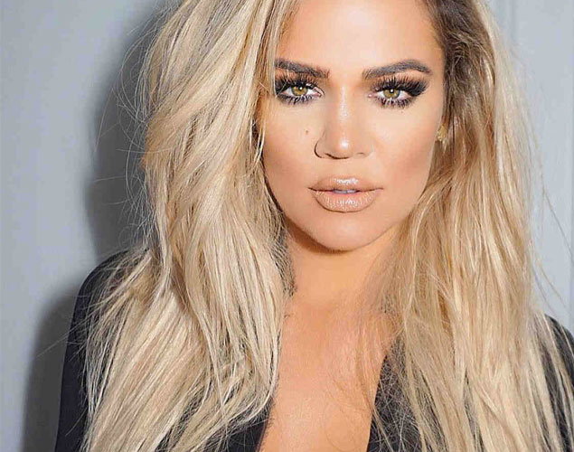 Khloé Kardashian släpper en body-positive klädkollektion