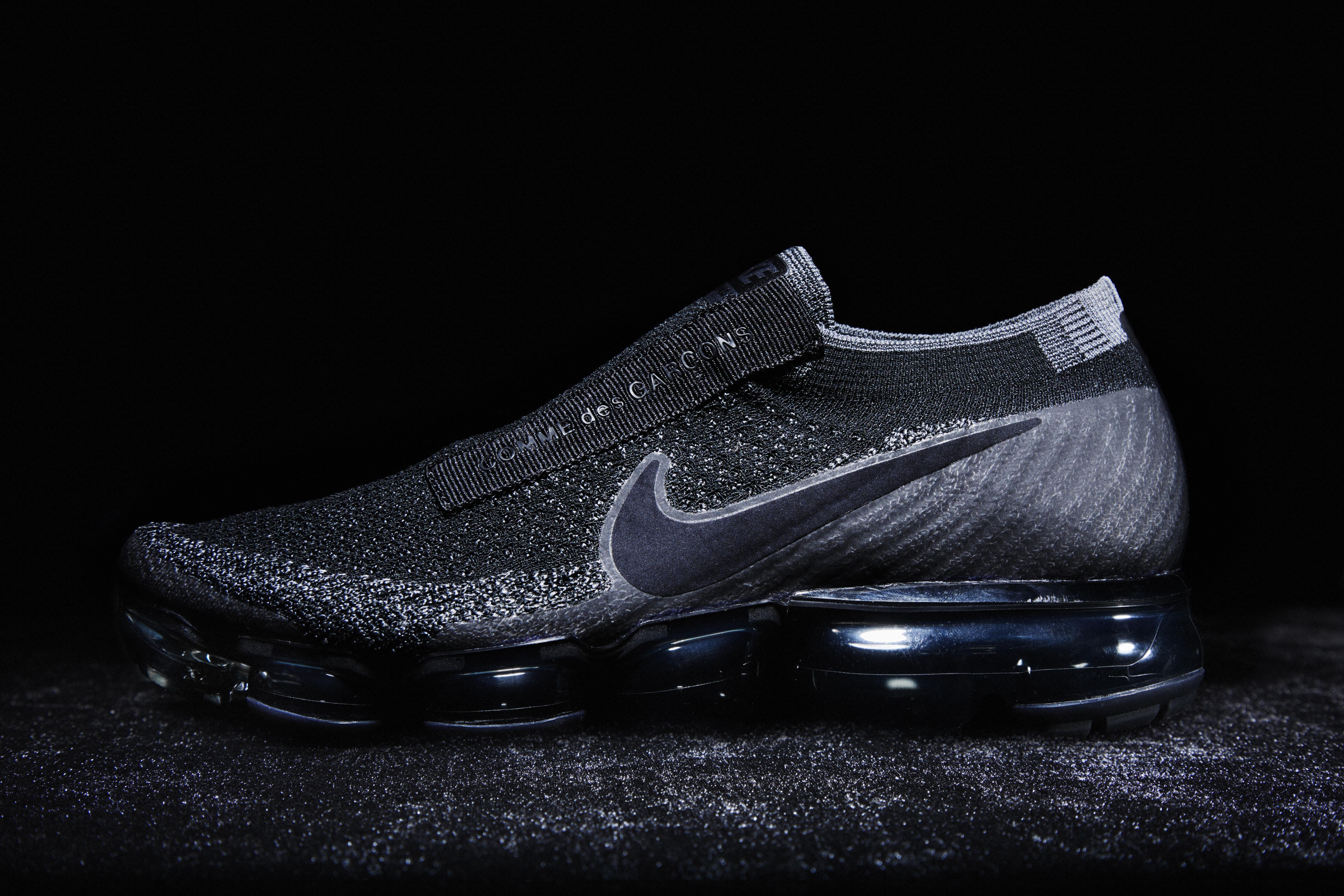 f1a2da8c9d5 Skon kommer i svart och vitt och släpps i början av 2017.  Nike_VaporMax_for_Comme_des_Garcons_4_original  Nike_VaporMax_for_Comme_des_Garcons_7_original