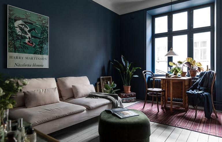 Inspireras av denna mörkblå inredningspärla