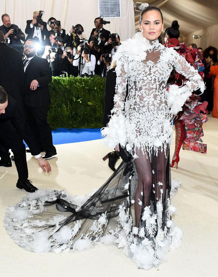 Se de finaste och mest spektakulära klänningarna från Met