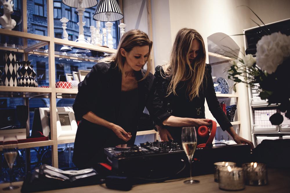 Lill Lindqvist och Leona Axelsen