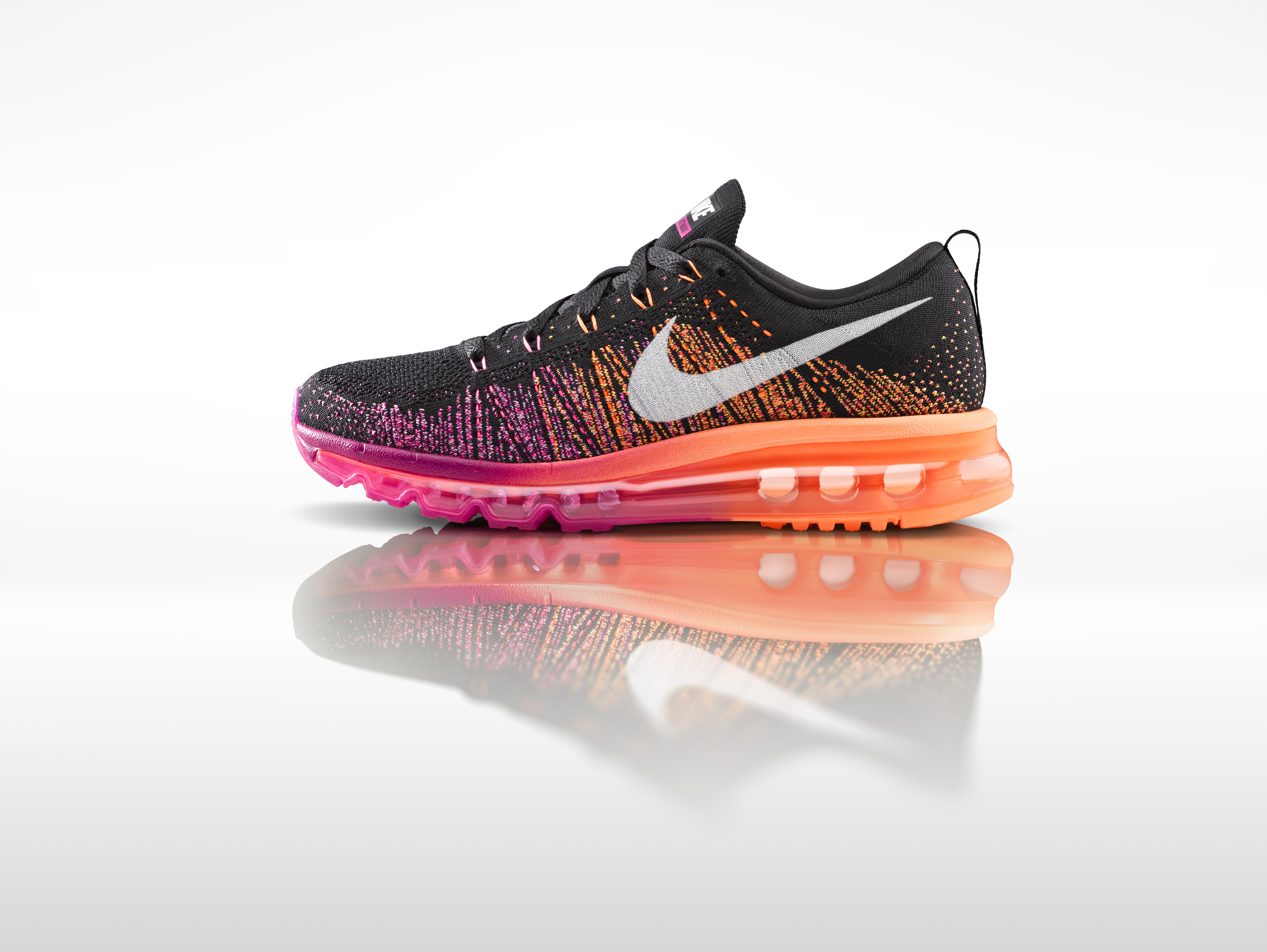 Nike_Flyknit_Air_Max_womens_profile_original