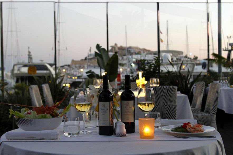 roberto_cavalli_ouvre_un_restaurant____ibiza_le_cavalli_restaurant___lounge_567201616_north_883x.1