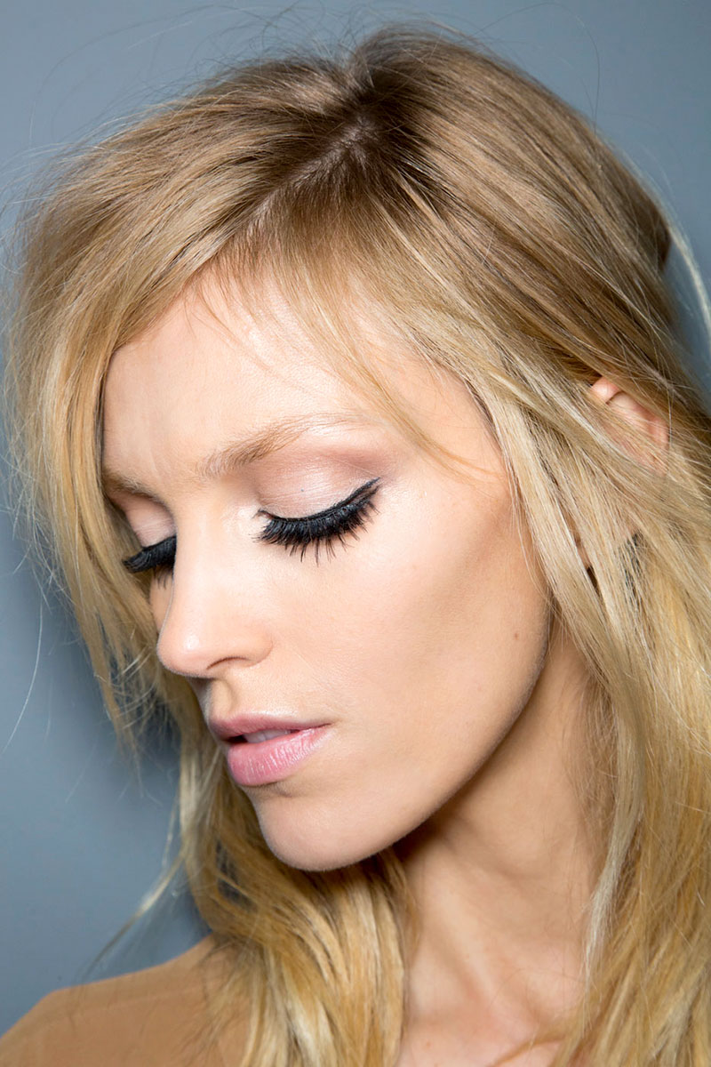 hbz-makeup-trends-fw2014-mega-lashes-04-Gucci-bks-D-RF14-1573