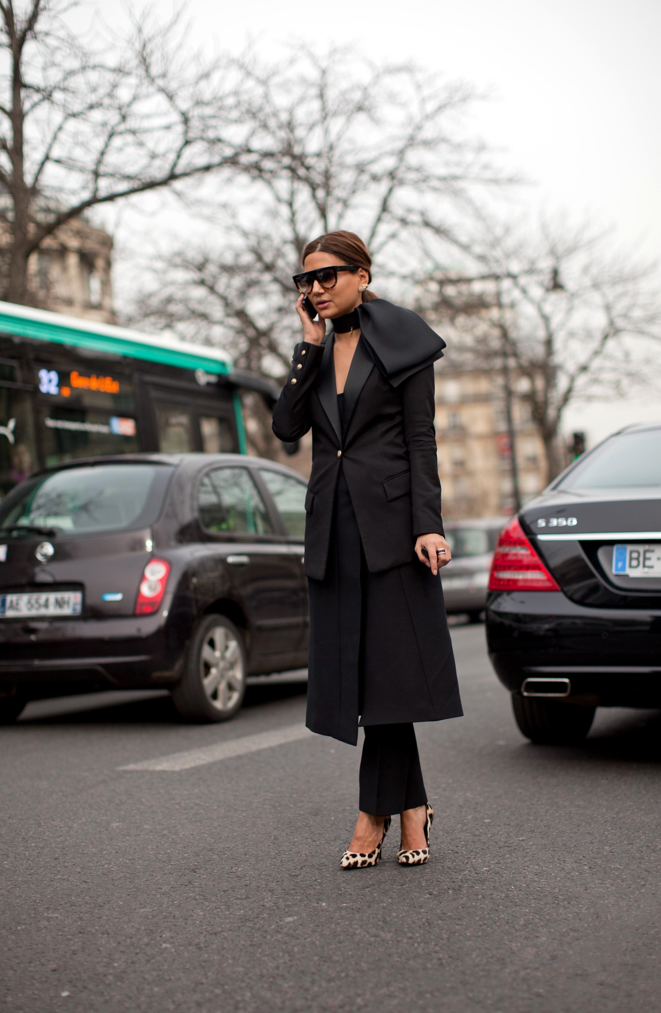 EXCLUSIVE Christine Centenera (fashion editor Harper's Bazar) posing for a street style photo during Paris Fashion Week.Where: Paris, FranceWhen: 04 Mar 2013Credit: WENN