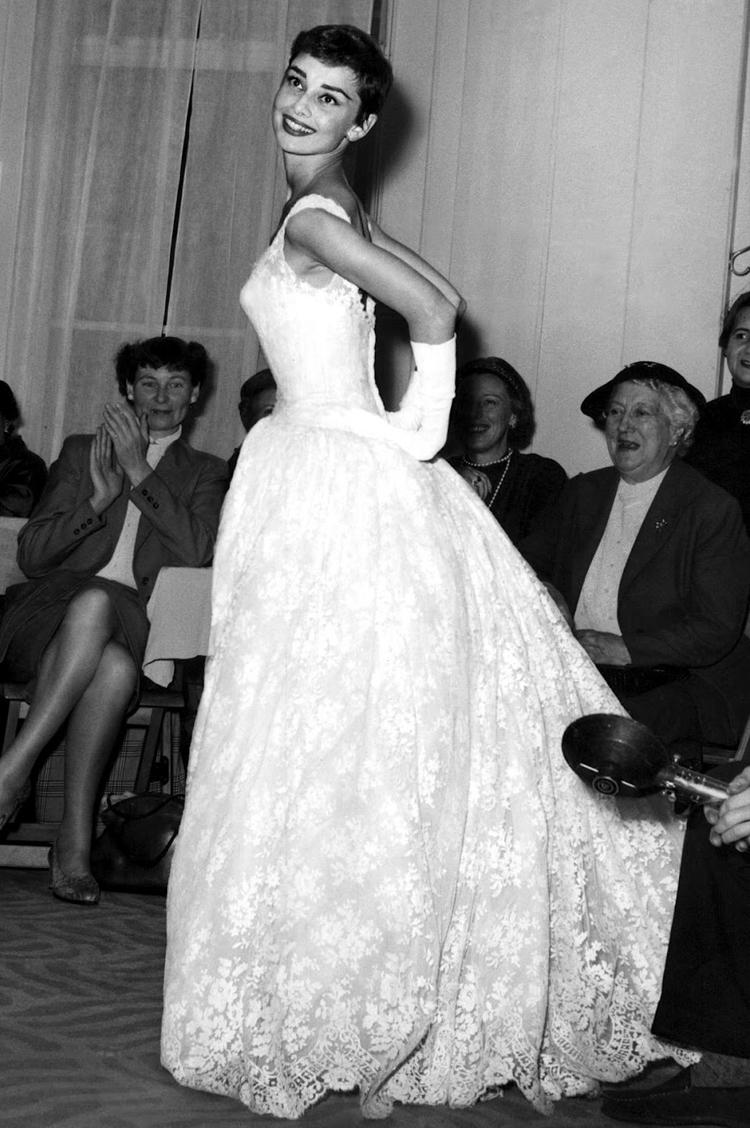 Audry-Hepburn1954