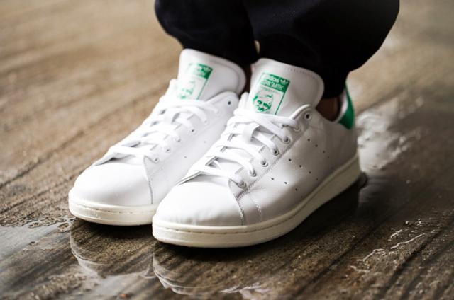 4 enkla tips för att hålla dina vita sneakers vita