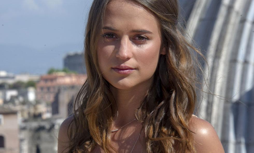 Alicia Vikander har signat för nya Bourne-filmen
