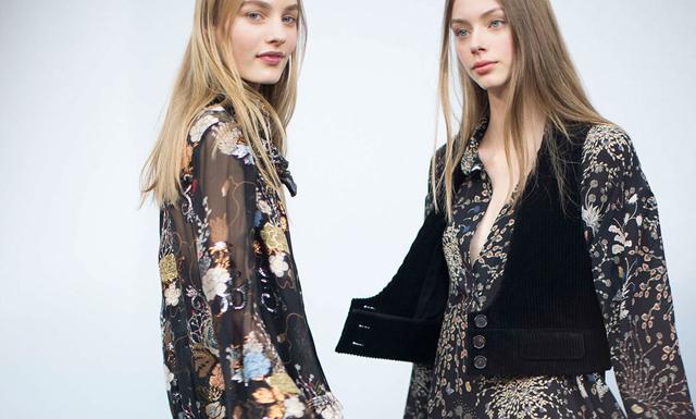 12 snygga boho-klänningar som funkar både nu och i höst