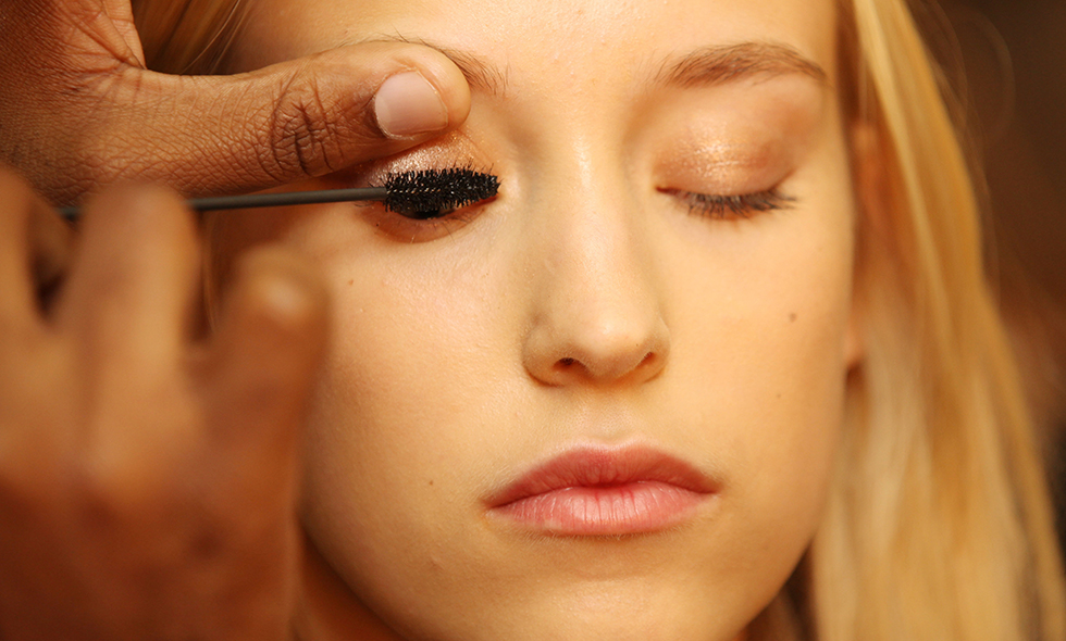 3 enkla steg till de perfekta fransarna – mascara är allt du behöver