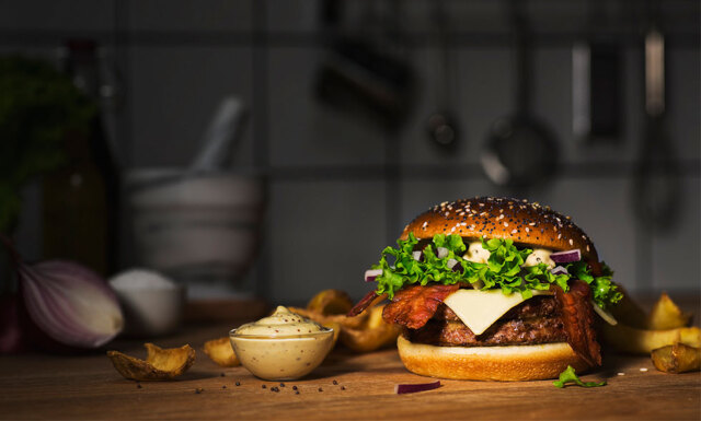 Nu erbjuder McDonalds bordsbokning – och lyxig tvårättersmeny!