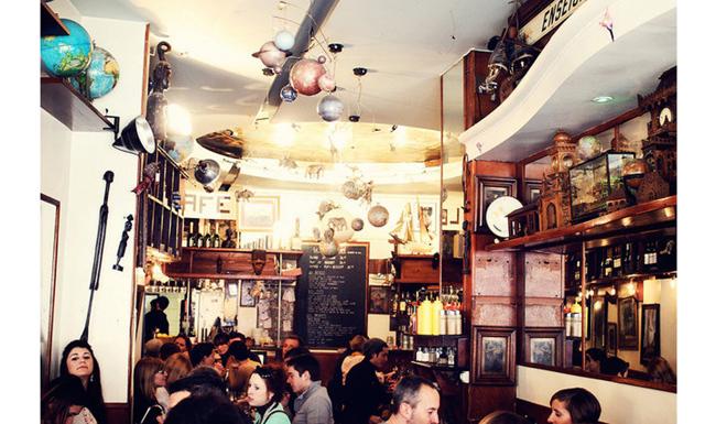 5 caféer i Paris att förlora sig i
