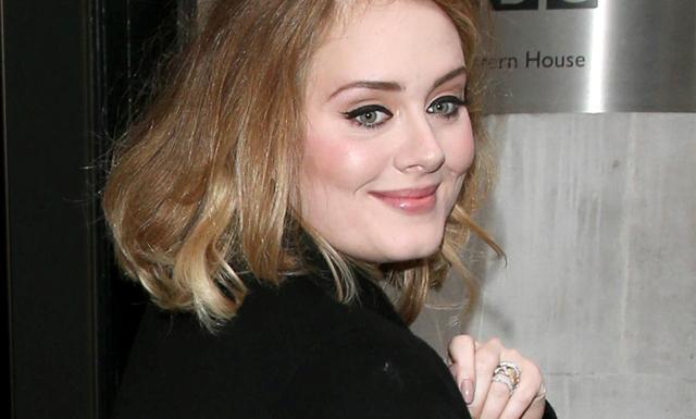 Hello? Adele kommer till Sverige – skriv in det här datumet redan nu!