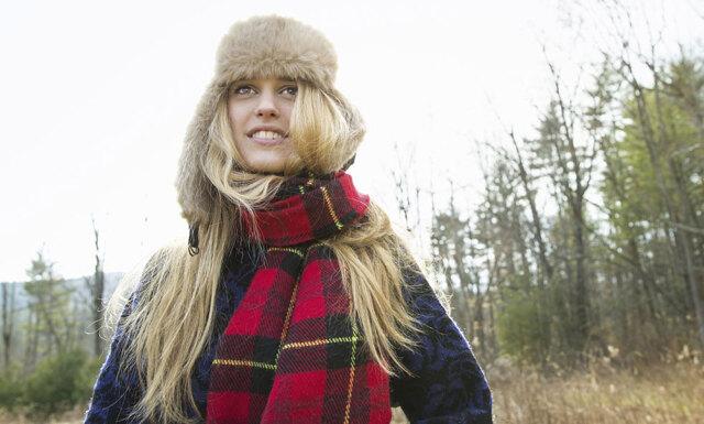 10 saker alla med långt hår känner igen under halsduksäsongen