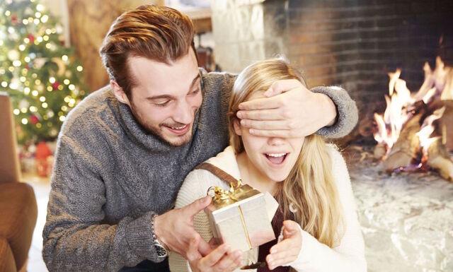 10 solklara julklappstips för både pojkvän och flickvän- ingen blir missnöjd!