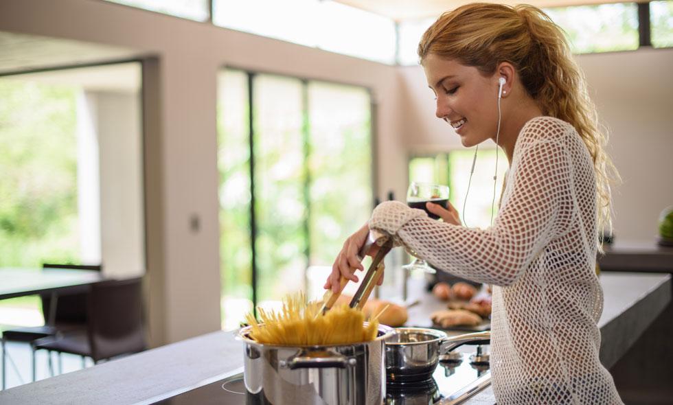 13 genialiska tips som garanterat förenklar alla köksmoment framöver