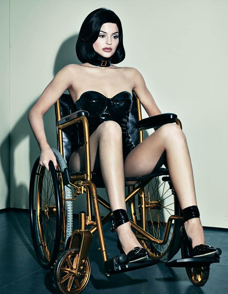 kylie jenner rullstol