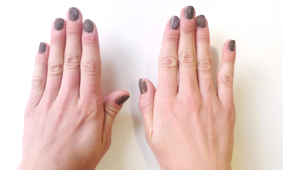 smartphone-finger