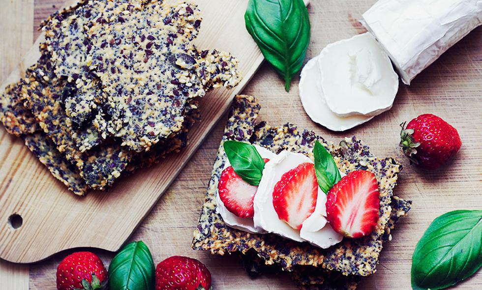 froknacke enkelt recept chevre jordgubbar basilika