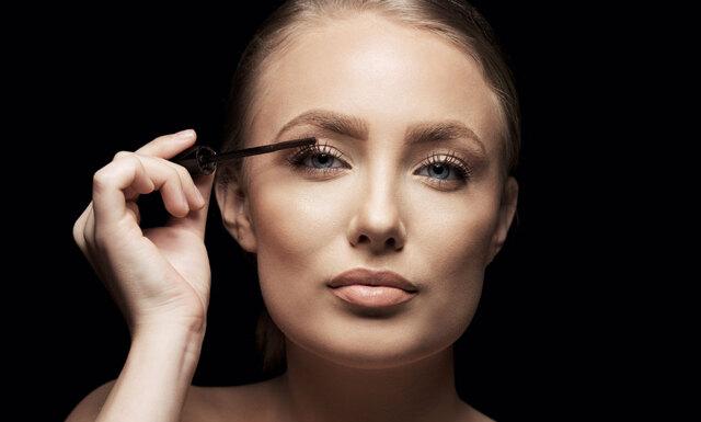 6 misstag vi alla gör när vi målar våra ögonfransar