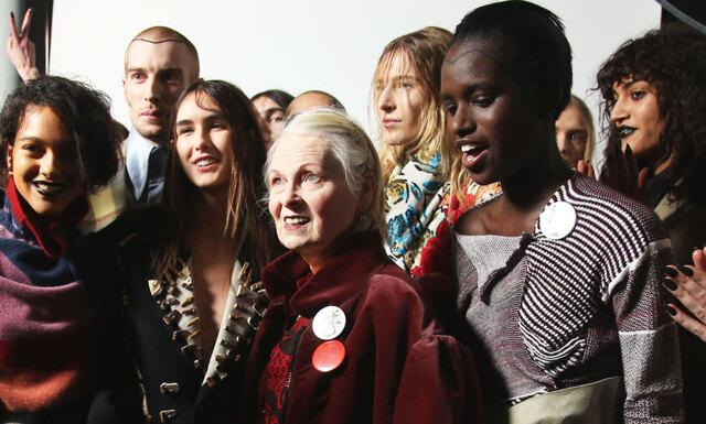 Vivienne Westwood avbröt modevisning för att täcka för en modells bröst