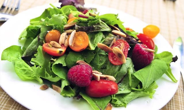 Därför ska du inte välja sallad till lunch – om du vill äta nyttigt