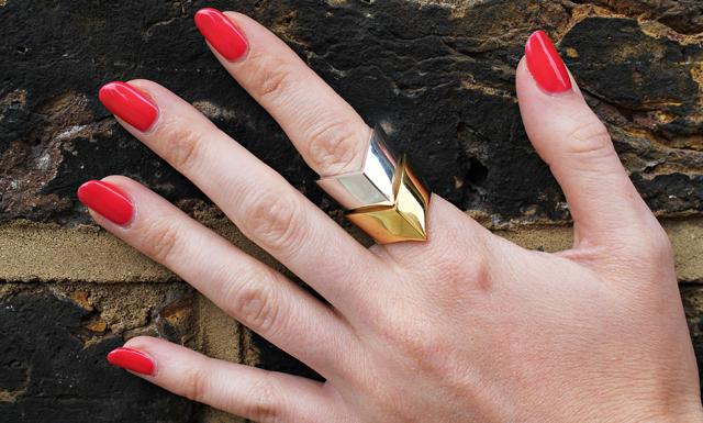 4 enkla knep för att få ditt favorit nagellack att räcka längre