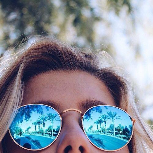 2 spegelbild solglasogon