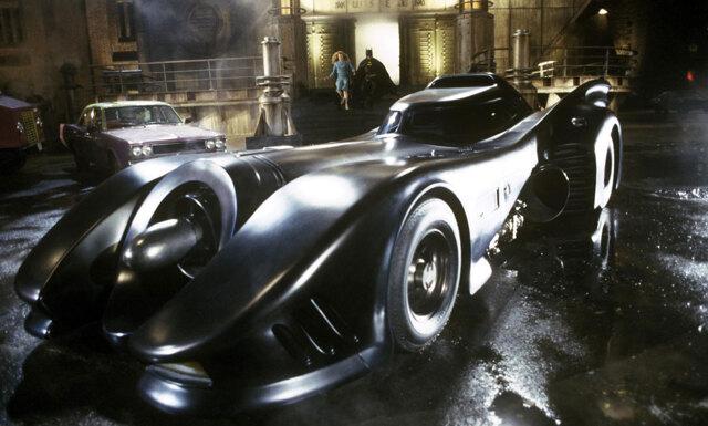 Nu kan du åka i den klassiska Batmobilen tillsammans med Uber
