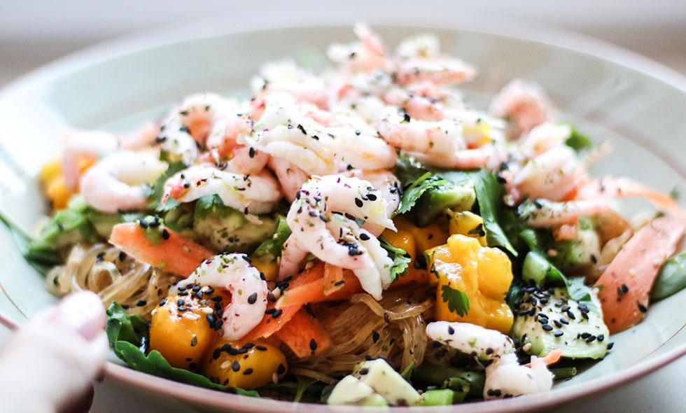 puff_raksallad-nudlar-asiatisk-mango-koriander-nyttig-lunch-middag-recept