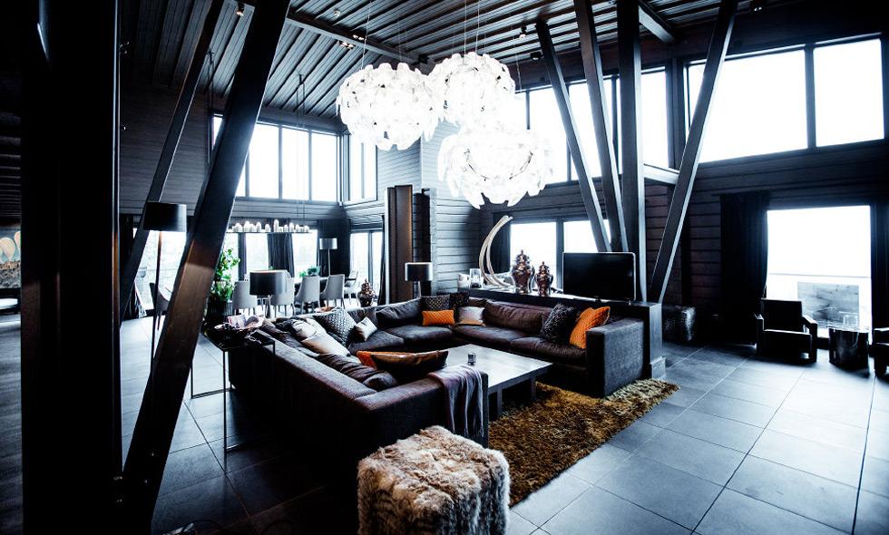 Kika in i fjällvärldens lyxigaste hus: Petter Stordalens The Villa på Copperhill i Åre
