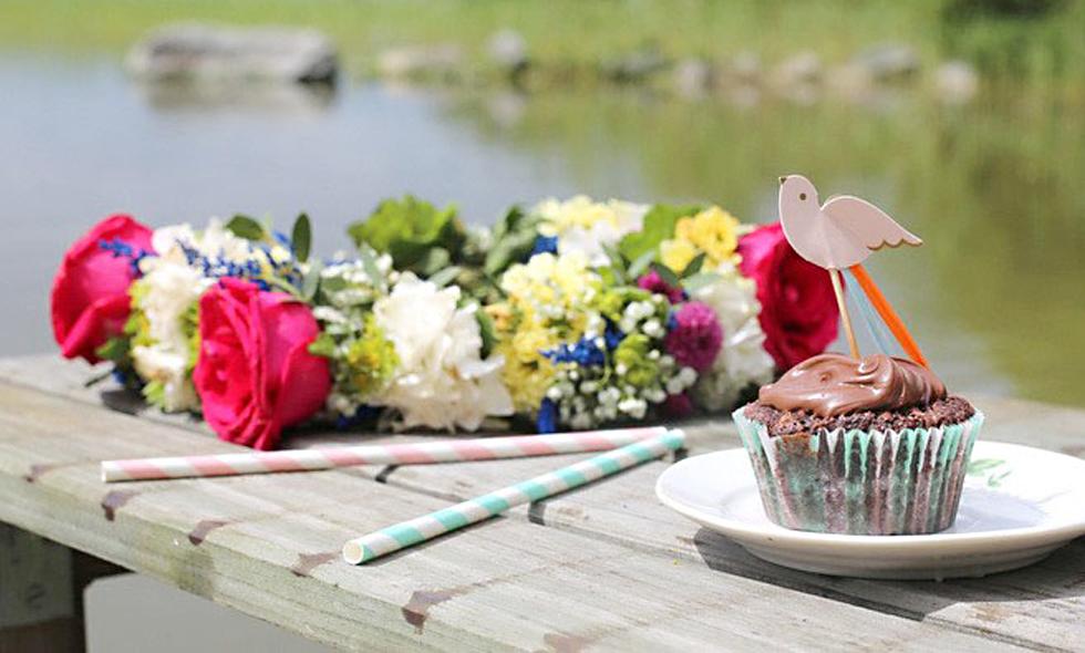 midsommarkrans-midsommar-blomsterkrans-midsommarfirande-
