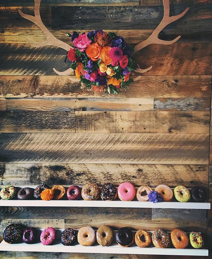 donut-wall-wedding-cake-alternative-12-57bc39883678c__700