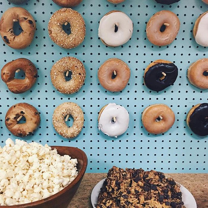 donut-wall-wedding-cake-alternative-20-57bc39a9cc5e5__700