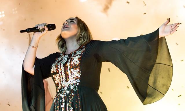 Adele tar en paus i tio år - för den finaste anledningen