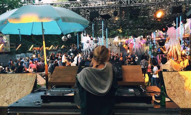 Så får du DJ-gig på klubbar – intervju med Anna Wester