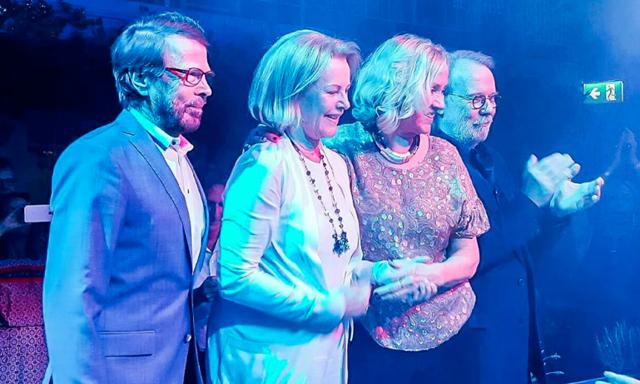 ABBA återförenas på scenen och planerar helt ny underhållningsupplevelse 2017