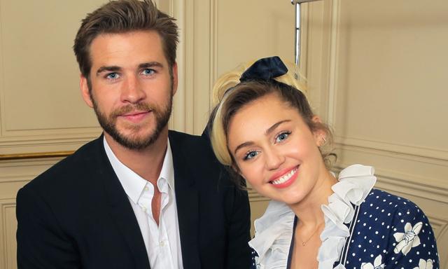 Äntligen! Miley Cyrus bekräftar att hon och Liam Hemsworth är förlovade igen!