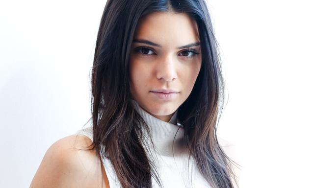 Här är hemligheten bakom Kendall Jenners felfria hy (så enkelt!)