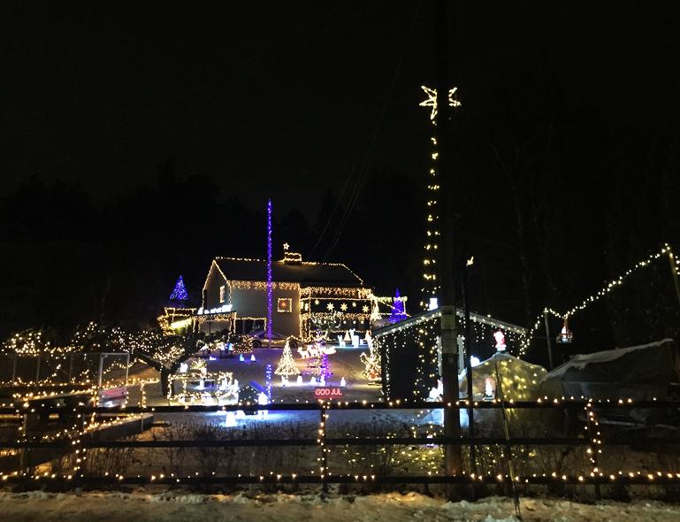 Kolla in i Stockholms (utan tvekan) mest juldekorerade hus
