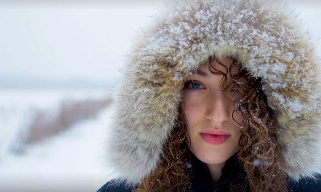 Blött hår + kallt ute = förkylning?
