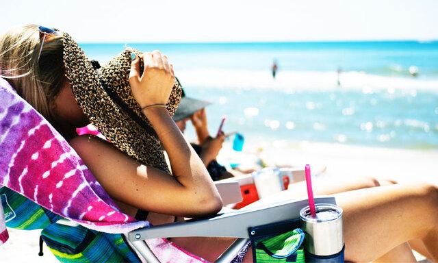 Solsemester i vinter - såhär skyddar du dig bäst mot solens UV-strålning