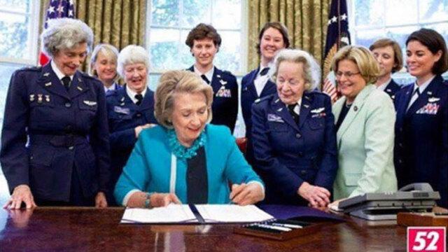 Bilden på Hillary Clinton som driver med Donald Trump är det roligaste vi sett