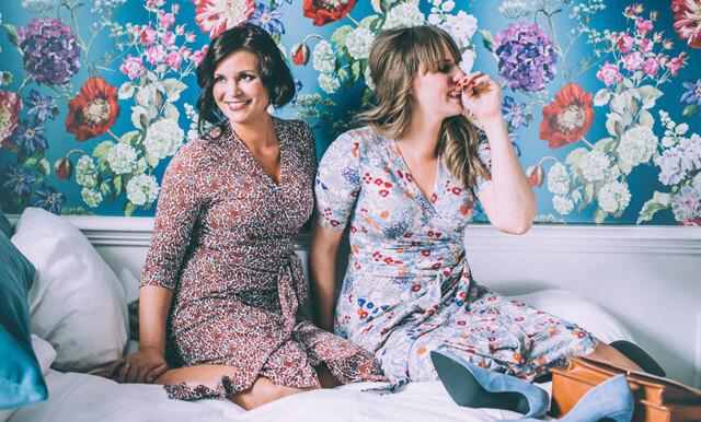 """""""Underbara Clara"""" lanserar klädmärke: """"Vi gör kläder för kvinnor som vill synas och ta plats"""""""
