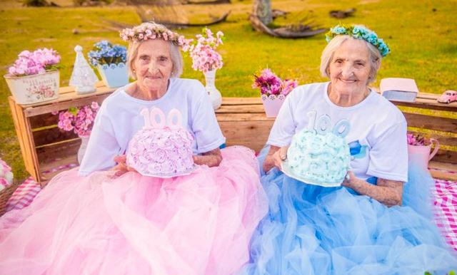 Tvillingarnas foton inför 100-årsdagen är det finaste vi sett på länge