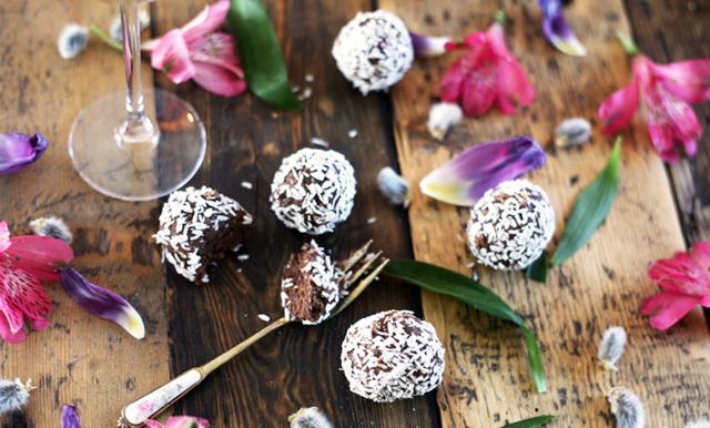 Fira chokladbollens dag med 5 galet goda recept