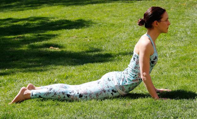 Metro Mode Hälsopepp: Solhälsningen steg för steg – yogan som gör dig rörlig och stark