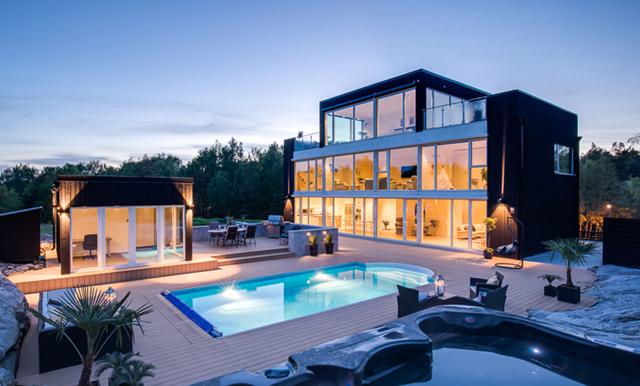 Veckans hem är en inglasad dröm ritad av berömda arkitekten Gert Wingårdh